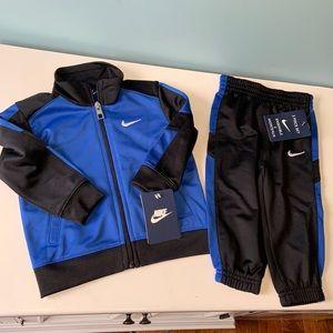 NWT Nike two piece set